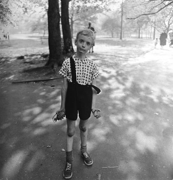 Child with a toy hand grenade in Central Park, 1962 - Diane Arbus