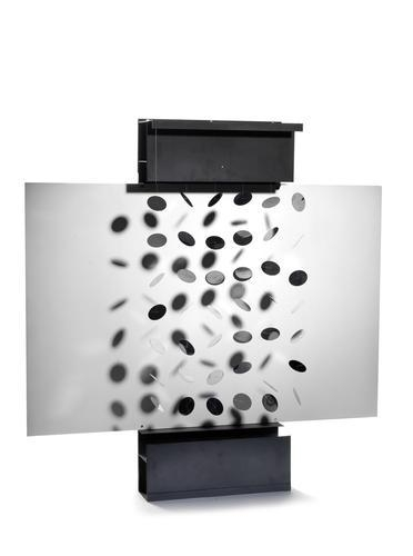 continuel mobile lumi re julio le parc encyclopedia of visual arts. Black Bedroom Furniture Sets. Home Design Ideas