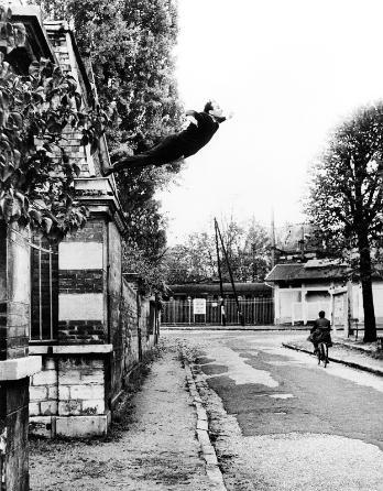 Leap into the Void, 1960 - Ив Кляйн
